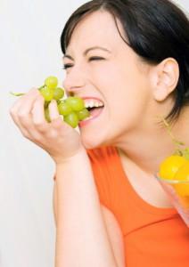 Rüyada üzüm yemek